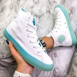 Converse Mid Sneakers White Pale Blue Sneaker